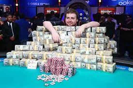 Poker Turnuvası Finali İzle
